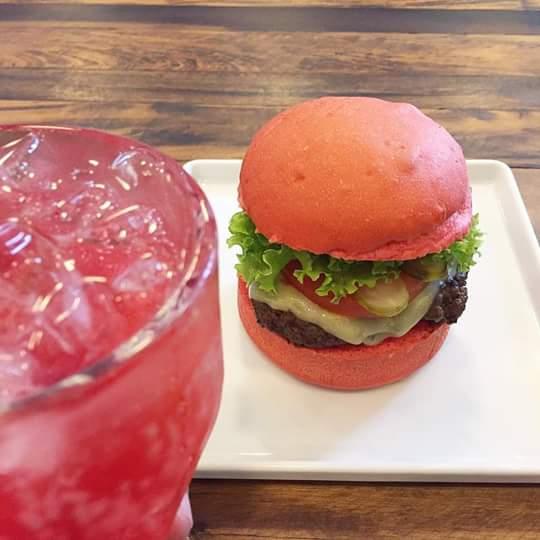 foto_024-2016-pink-lemonade-e-pink-burger