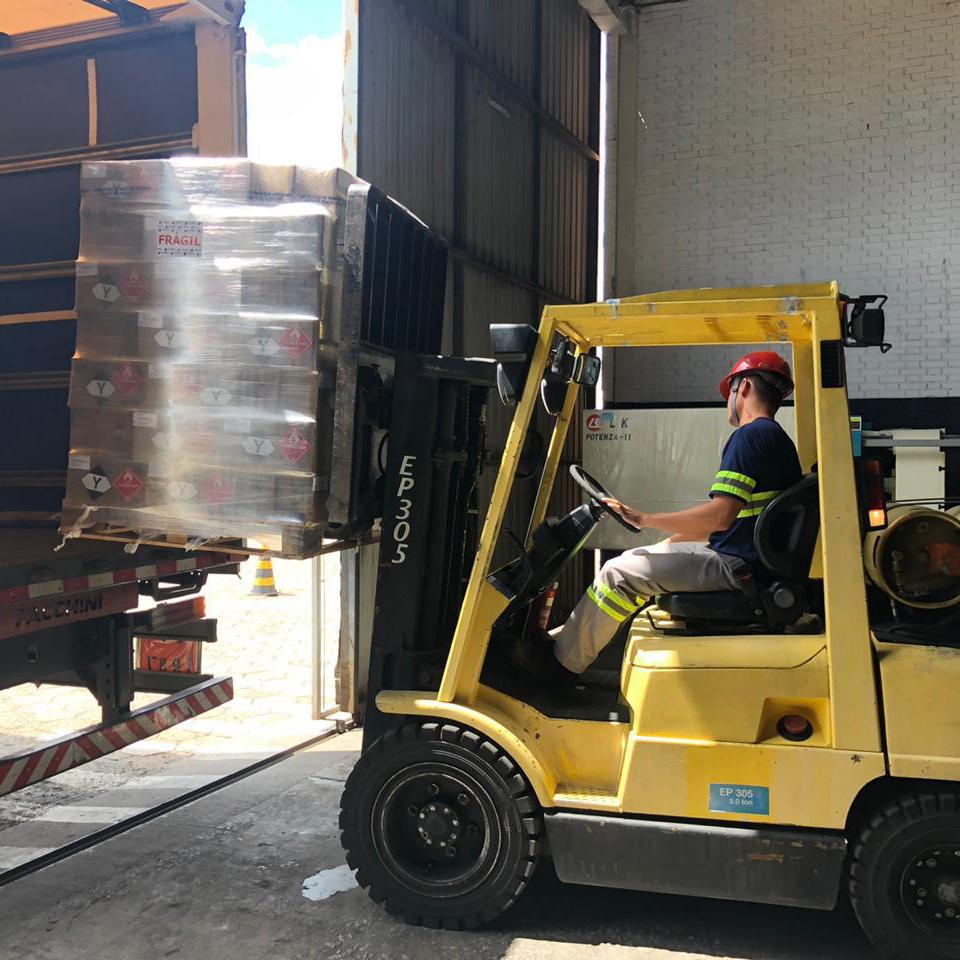 Operação logística especial é montada para agilizar liberação de cargas de álcool em gel