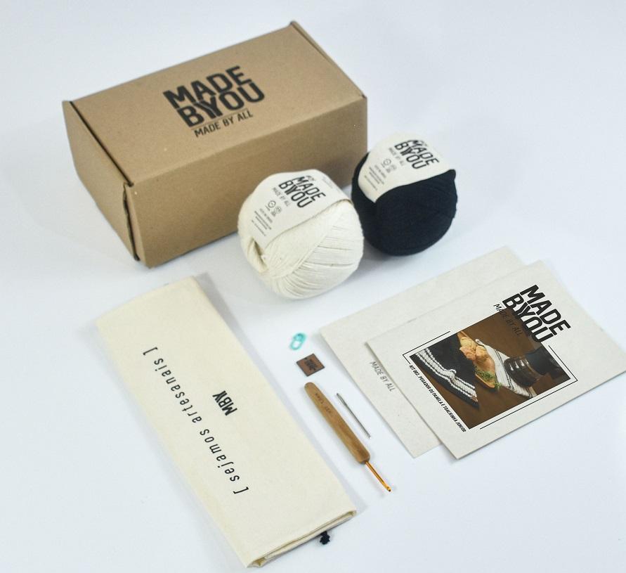 Nova coleção de kits handmade alia artesanato e gastronomia Lançamento da Made by You conta com duas opções de kits com acessórios para confeccionar itens de cozinha em crochê