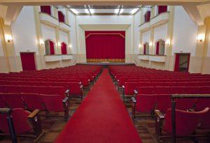 Concerto gratuito marca a retomada de eventos no Teatro Carlos Gomes, quando também será lançado um projeto em parceria com a Prefeitura que cederá o espaço gratuitamente para artistas realizarem suas apresentações.